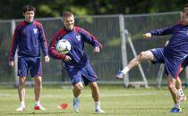 Russia's Denisow and Zhirkov attend Euro 2012 training session in Warsaw