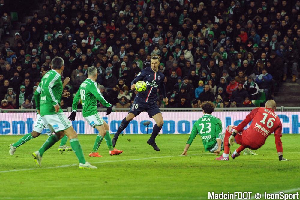 Ruffier (ASSE) va bientôt retrouver Ibrahimovic et le PSG.
