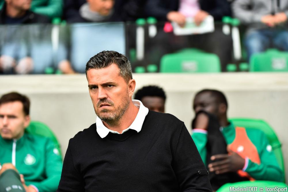 Oscar Garcia, ici lors de son passage à la tête de l'AS Saint-Etienne.