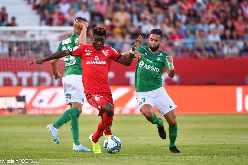 Didier Ndong, le milieu de terrain du Dijon FCO, ici face à l'AS Saint-Etienne.