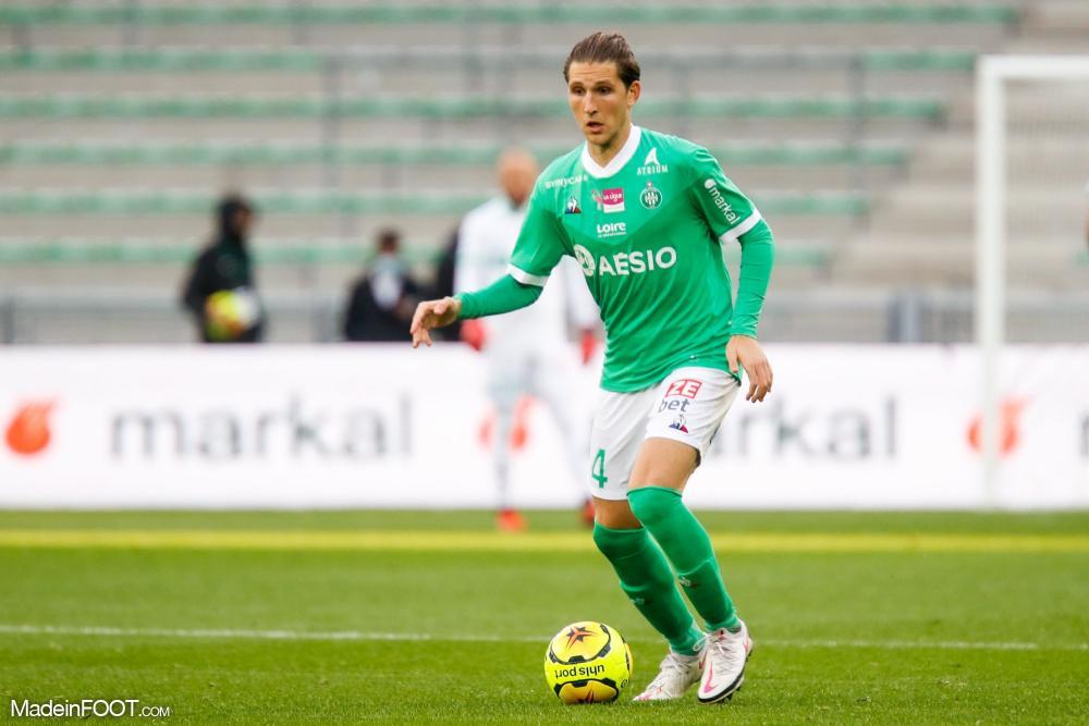 Panagiotis Retsos, le défenseur polyvalent de l'AS Saint-Etienne, est forfait pour le déplacement à Dijon.