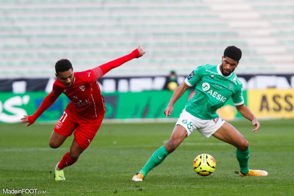 L'AS Saint-Etienne et le Nîmes Olympique se sont quittés dos à dos (2-2), ce dimanche après-midi en Ligue 1.