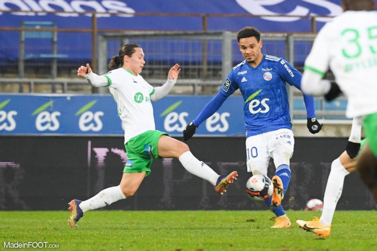 Maxence Rivera, le milieu de terrain offensif ou attaquant de l'AS Saint-Etienne.