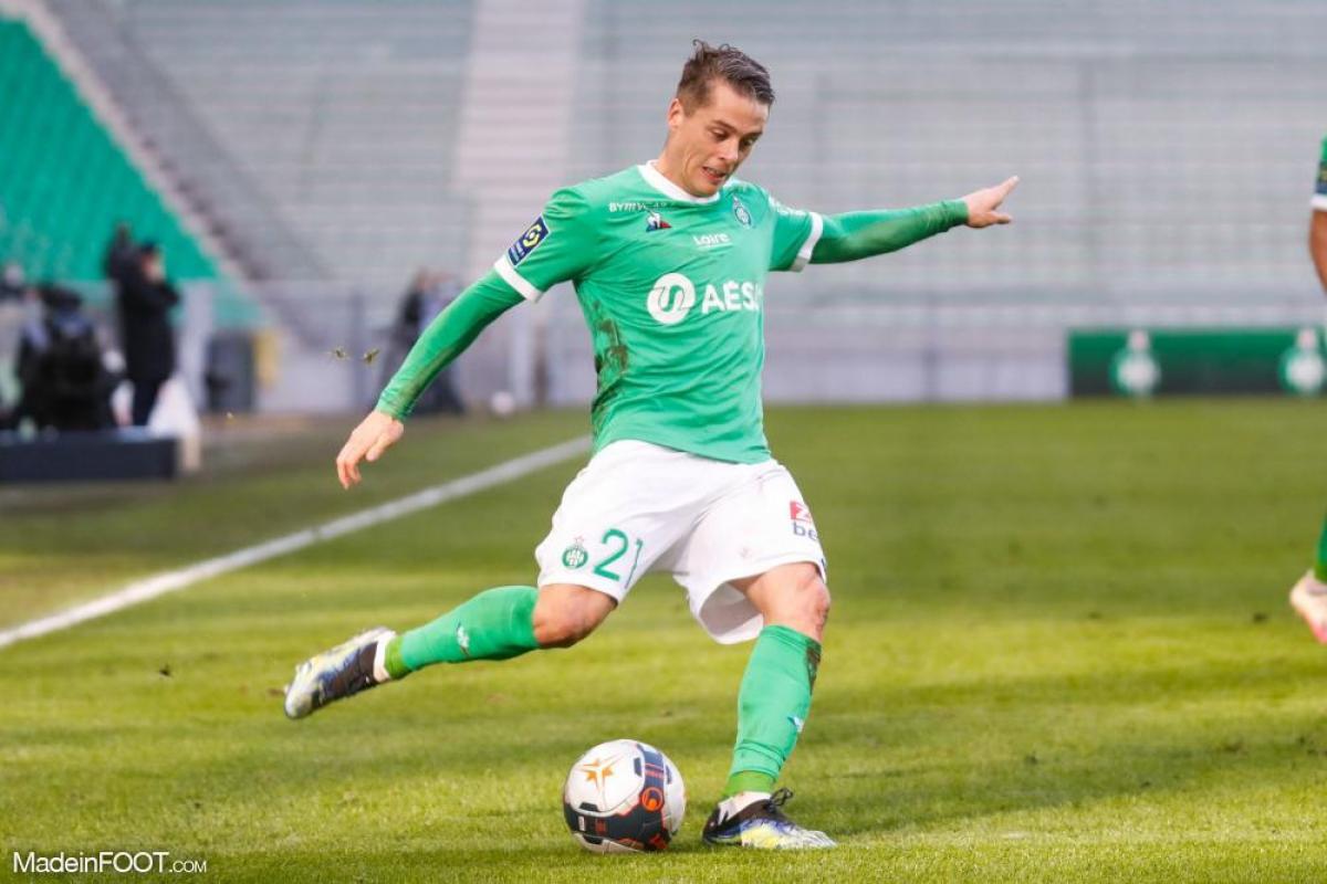 Romain Hamouma, l'attaquant de l'AS Saint-Etienne, est en fin de contrat au 30 juin.