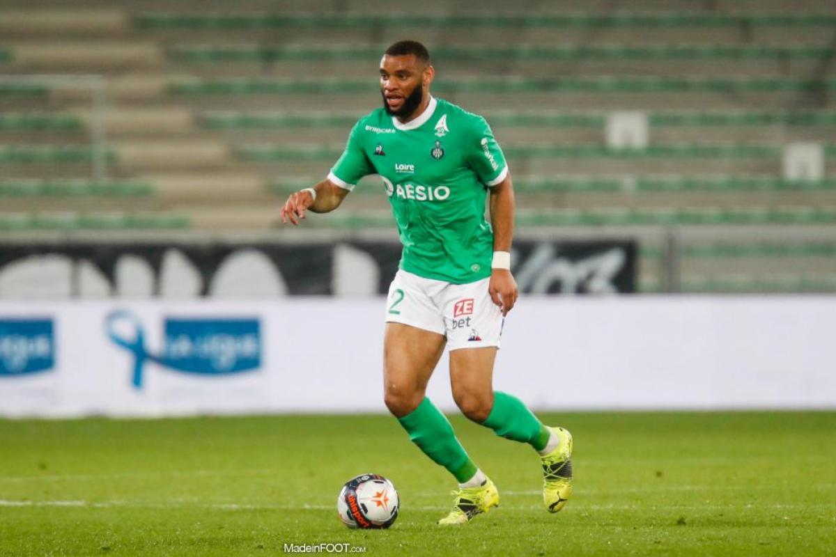 Harold Moukoudi, le défenseur central de l'AS Saint-Etienne.