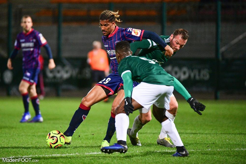 Florian Ayé flambe cette saison à Clermont.