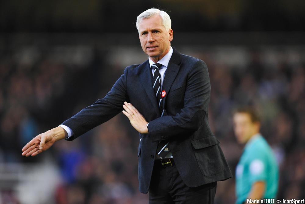 Alan Pardew devrait rejoindre Crystal Palace, un club qu'il avait connu en tant que joueur.